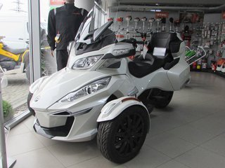 Трицикл BRP Can Am Spyder RST 1330Ace SE6 PW
